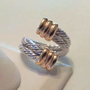 Jewelry - Fabulous Two-Tone Colored Rope Ring